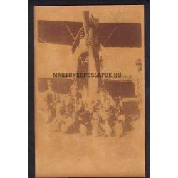Katonai fotó. Repülő pilótákkal. Felirat Máramaros 1916, 10 kg-os bombák