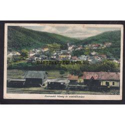 Szarvaskő régi képeslapon. Szarvaskő község és vasútállomás gőzmozdonnyal.