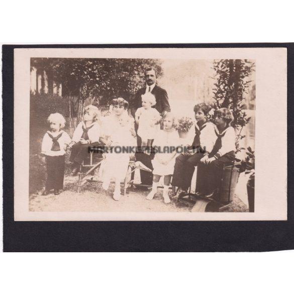 IV. Károly király és családja